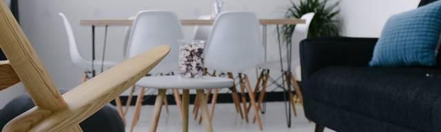 Sady jídelního nábytku